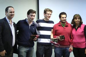 Recibiendo el primer premio en el concurso de programación