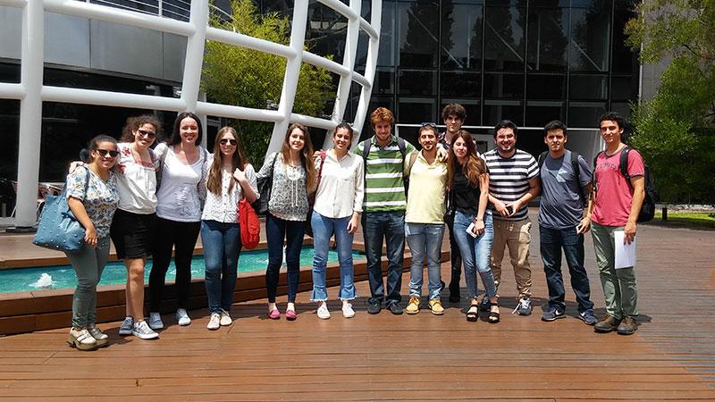 Estudiantes de Biotecnología visitaron la empresa  Genia