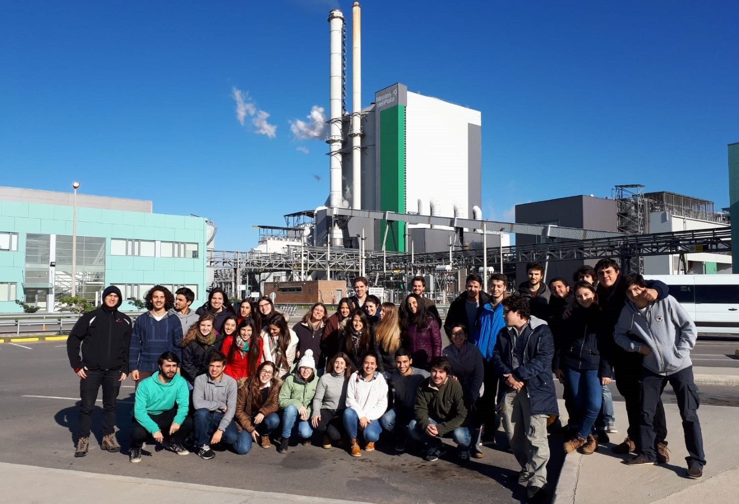 Estudiantes de la Facultad de Ingeniería visitan Montes del Plata