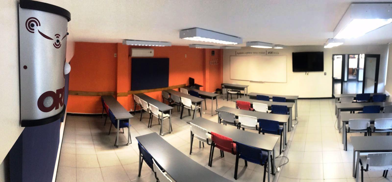 salón con domótica en la universidad