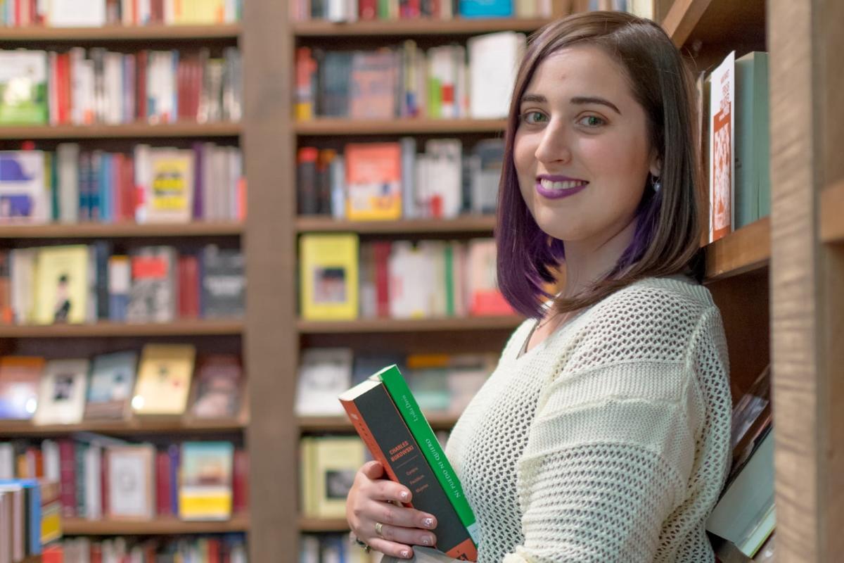 Una <i>booktuber</i> ingeniera: la programación y las novelas tienen más en común de lo que se cree